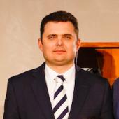 Пастор Первой черниговской церкви ЕХБ  M.Div., ИБС, Th.M., ЕВТС, Ph.D. (в процессе), TMS